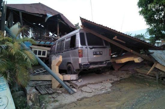 В Індонезії визнали великі проблеми з доланням наслідків землетрусу та цунамі