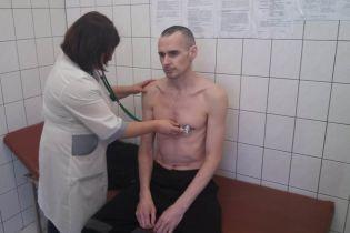 Российский режиссер о состоянии Сенцова: продолжает находиться в медсанчасти