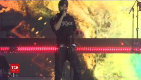 Іспанський співак Енріке Іглесіас дав концерт у Києві