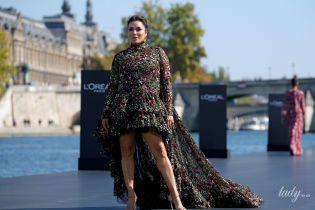Це провал: Єва Лонгорія вийшла на подіум у невдалій сукні