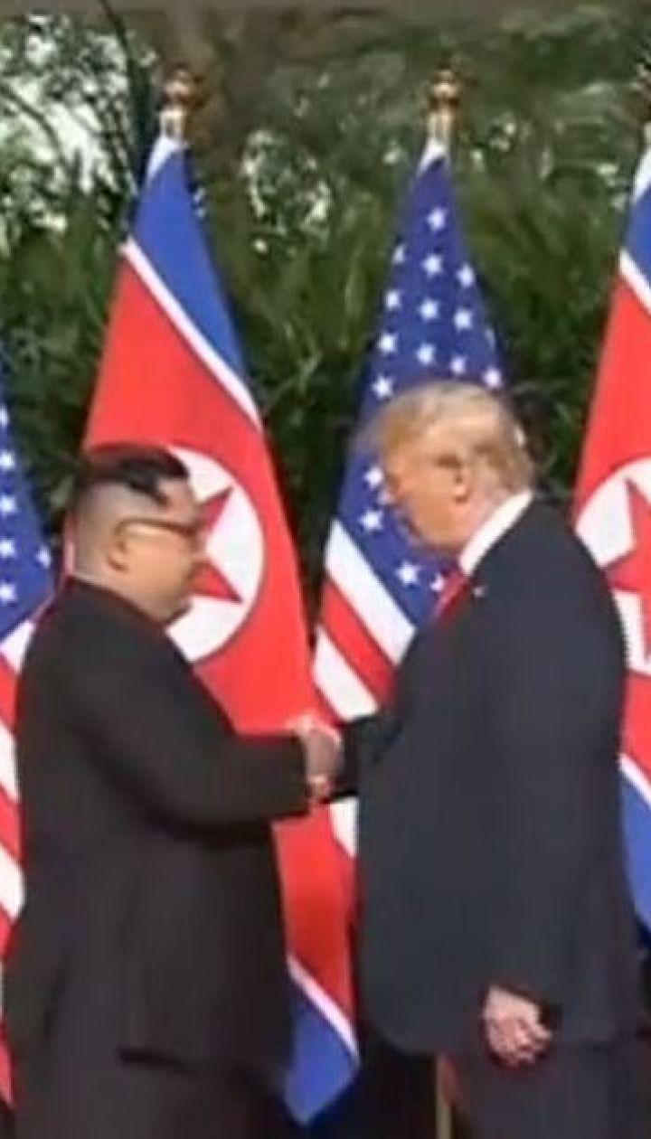 """""""Мы полюбили друг друга"""": Дональд Трамп рассказал о переписке с Ким Чен Ыном"""