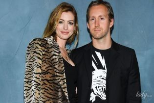 У леопарді, з декольте і в обіймах чоловіка: Енн Гетевей відвідала показ Givenchy