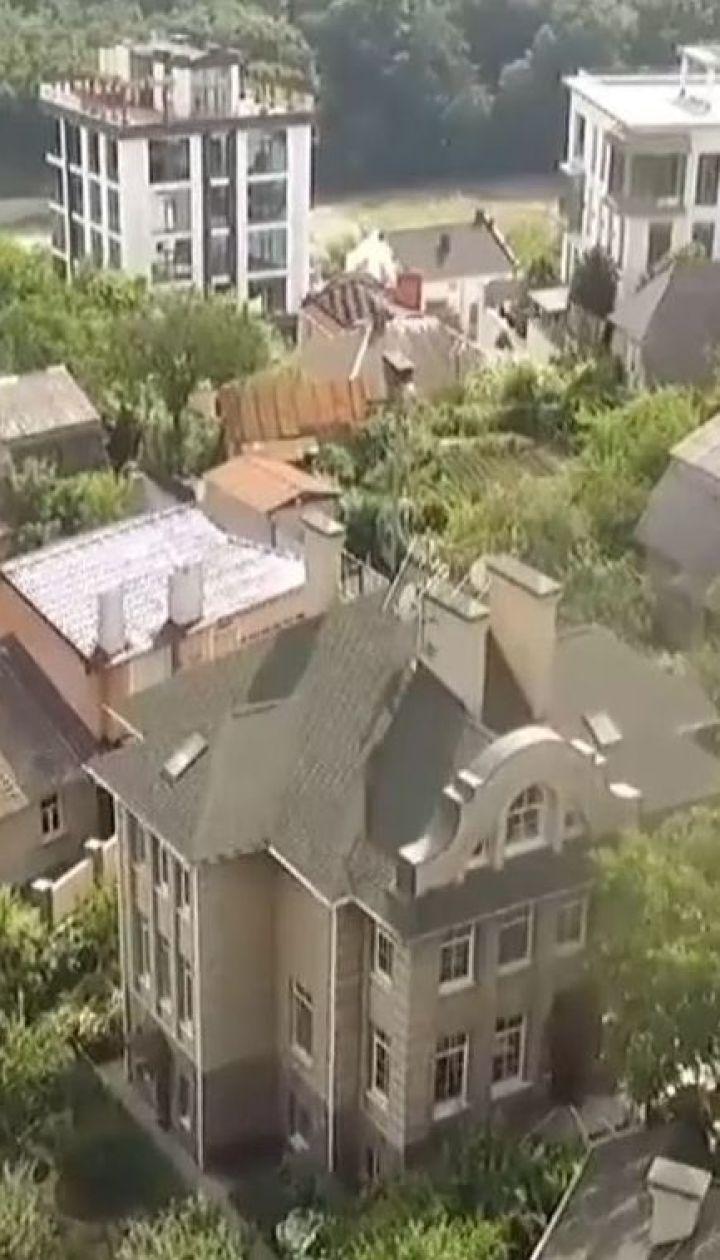 Стріляниною закінчилася спроба пограбування будинку судді в центрі Києва