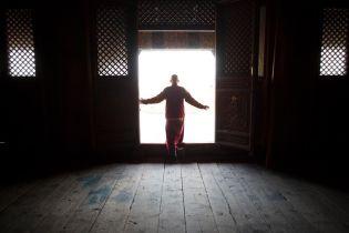 ТСН stories. Отсутствие Интернета, баскетбол и подъем в семь: как живут монгольские монахи-аскеты