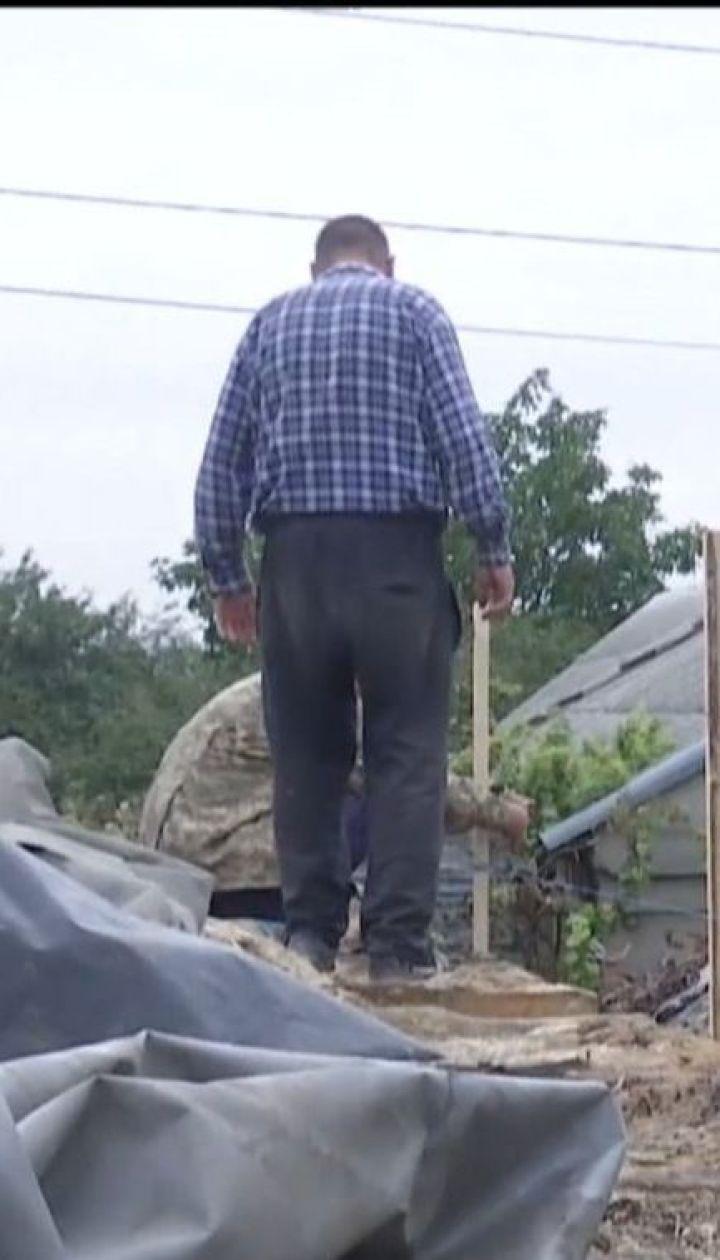 Літньому подружжю з Миколаєва потрібна допомога у відновленні згорілого будинку