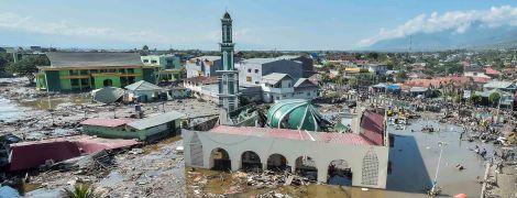 Разбитые мечети и мосты: сокрушительные последствия цунами в Индонезии показали с высоты птичьего полета