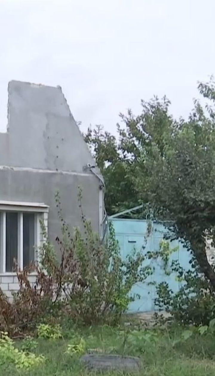 Пожилые супруги из Николаева вынуждены жить на пепелище после пожара в их доме