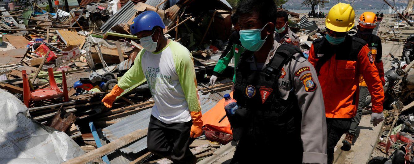В Индонезии снова сообщили об увеличении количества жертв землетрясения