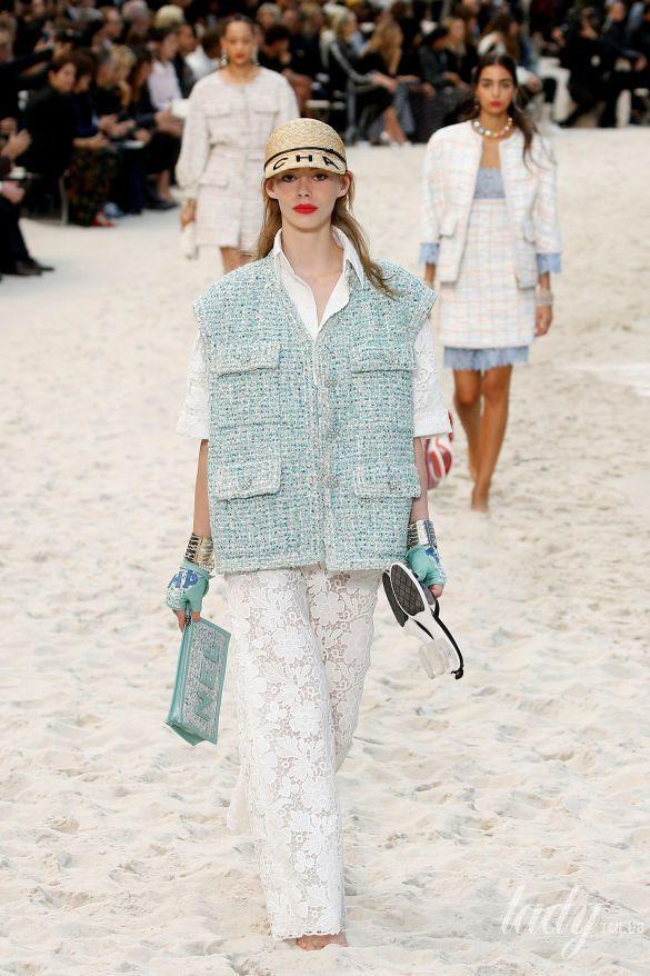 Коллекция Chanel прет-а-порте сезона весна-лето 2019_32