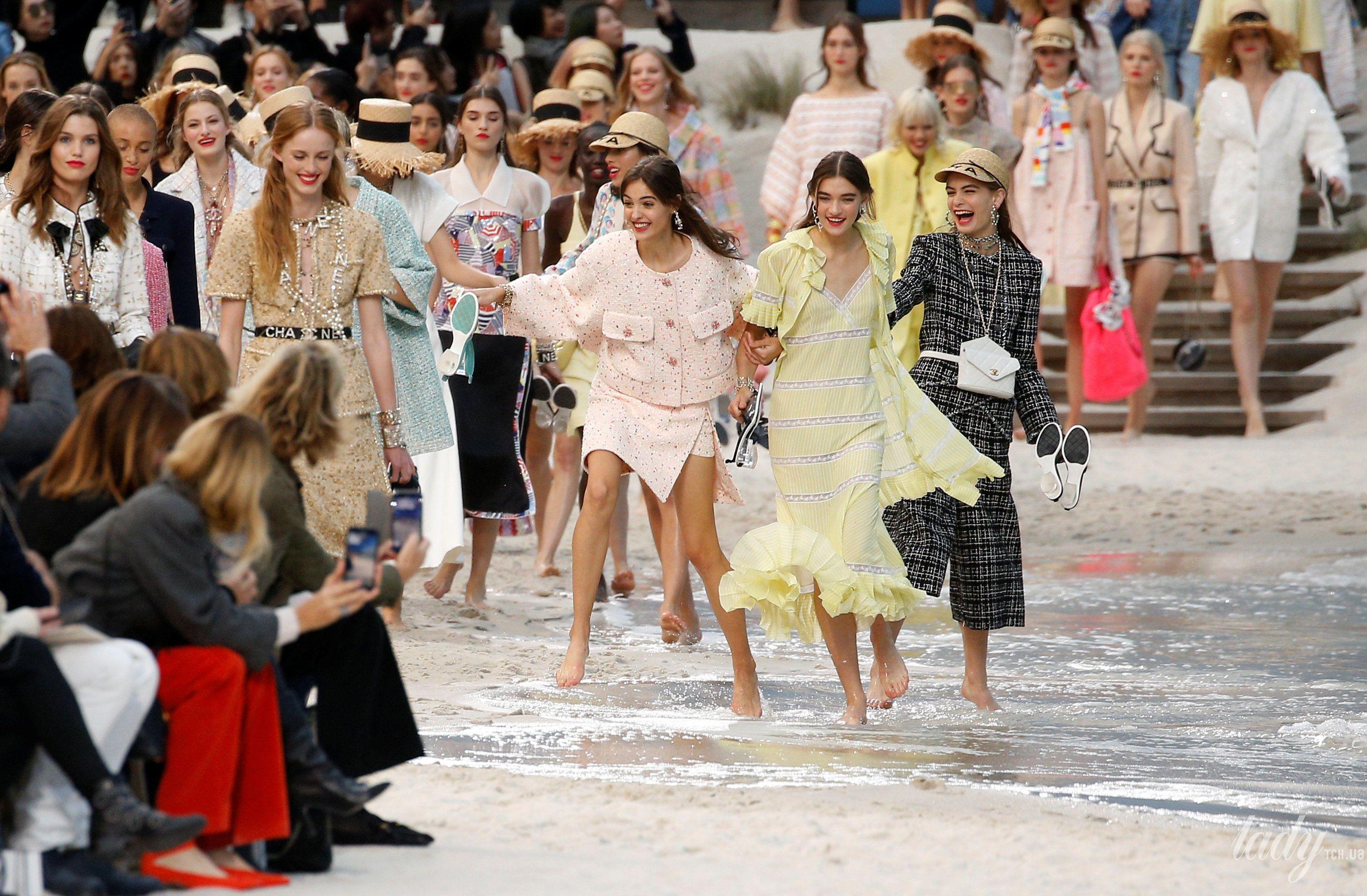 Коллекция Chanel прет-а-порте сезона весна-лето 2019_30