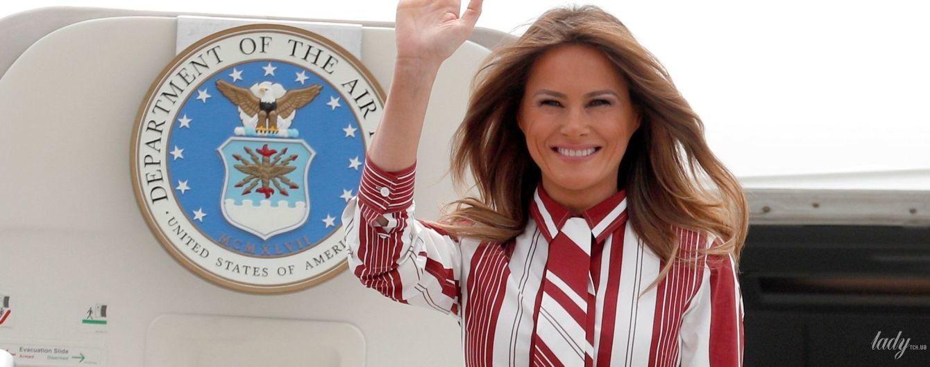 Поправилась или неудачный наряд: Мелания Трамп в полосатом платье прибыла в Гану
