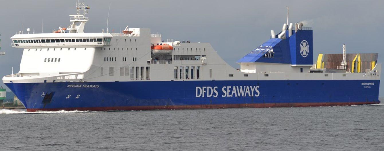 В Балтийском море взрыв вызвал пожар на борту парома с 335 пассажирами
