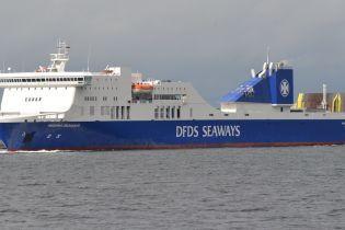 У Балтійському морі вибух спричинив пожежу на борту порому із 335 пасажирами
