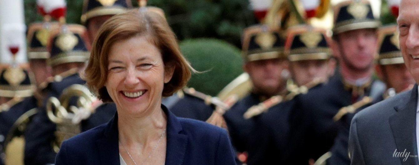 В юбке и на каблуках: деловой образ министра обороны Франции Флоранс Парли
