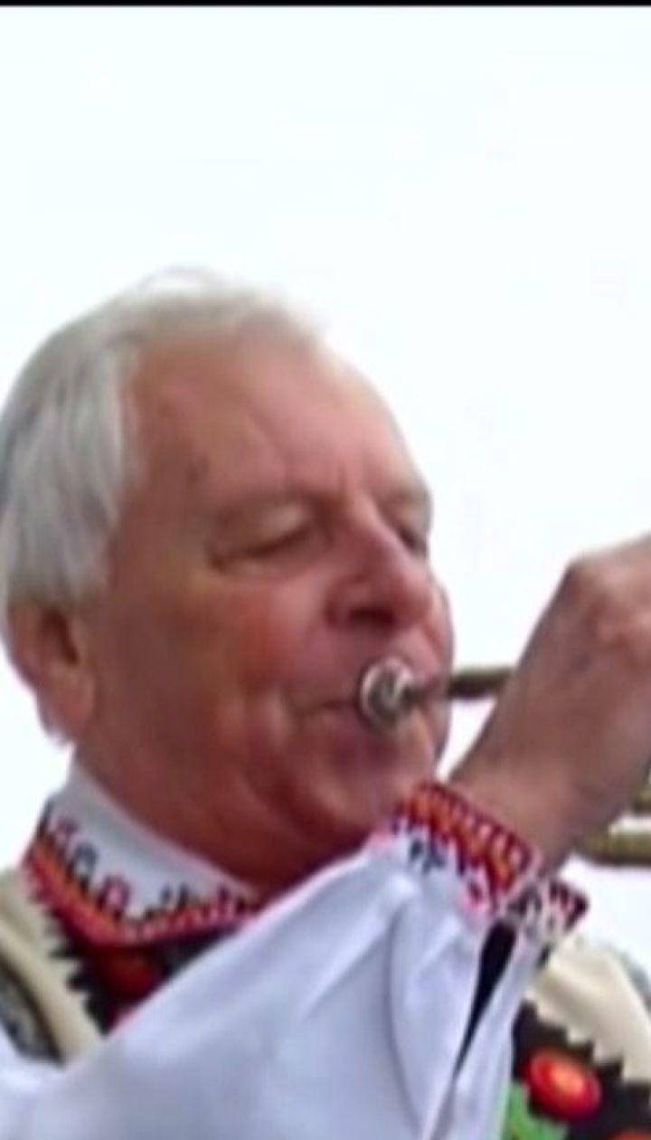 """Умер трубач, который 14 лет ежедневно играл мелодию из песни """"Маричка"""" на Ратуше в Черновцах"""