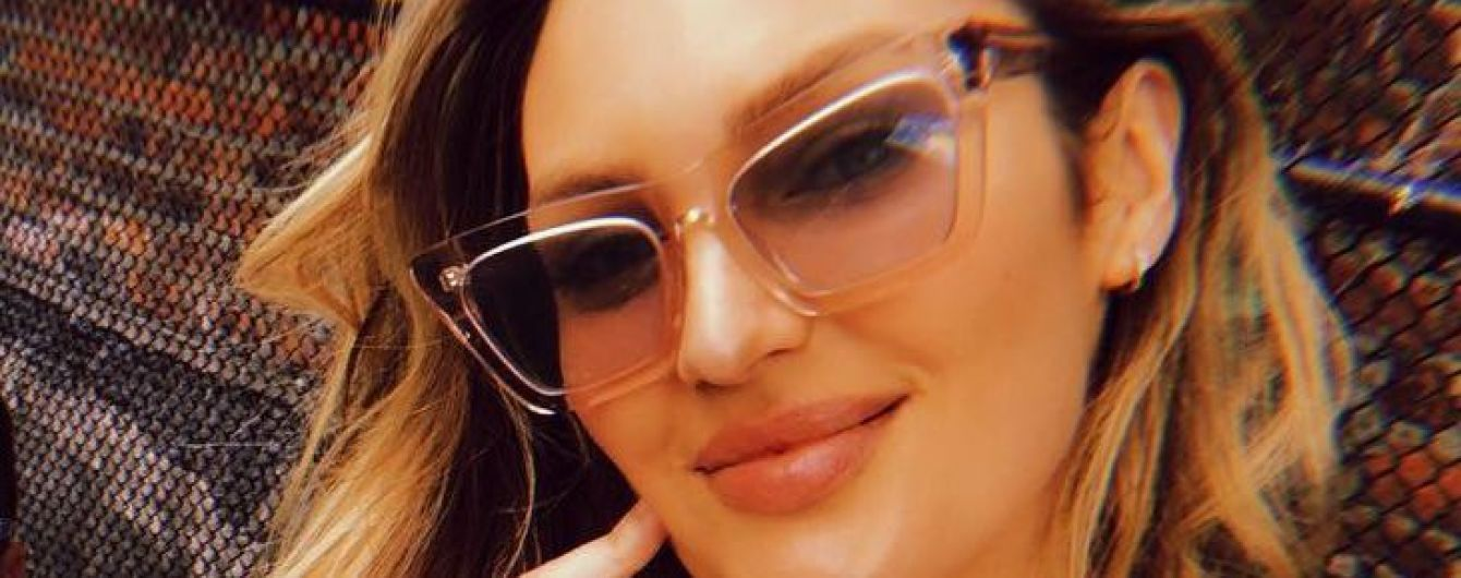 Секси-мамочка: Кэндис Свэйнпоул показала фигуру в новых бикини