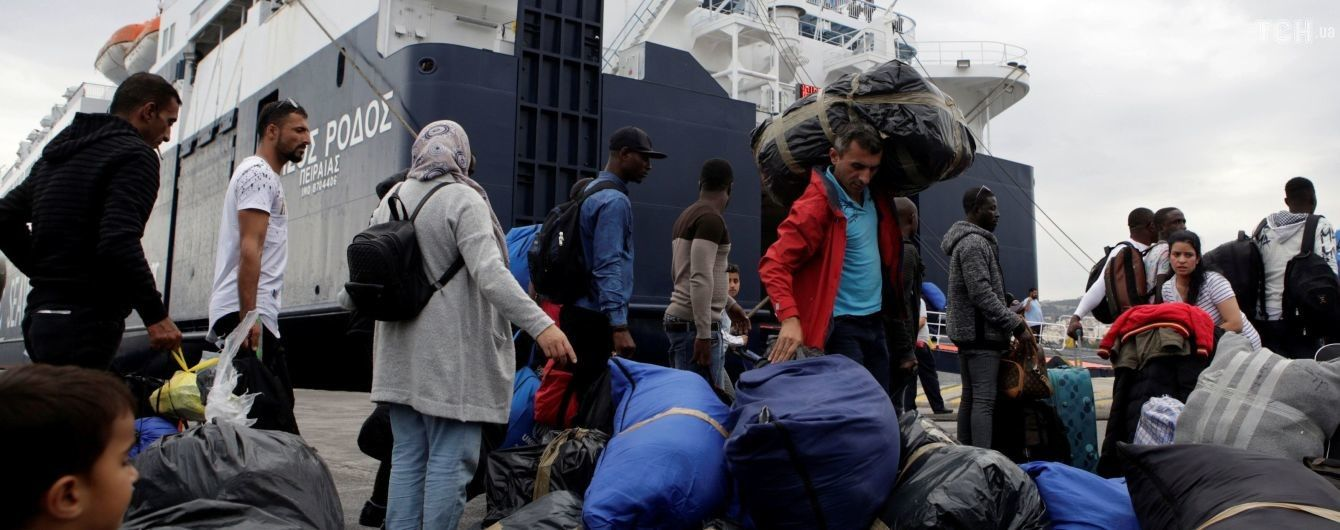 У Греції затримали українське судно з понад 60 мігрантами