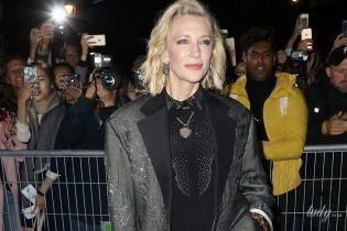 В скинни, лодочках и пиджаке со стразами: эффектная Кейт Бланшетт на показе Louis Vuitton