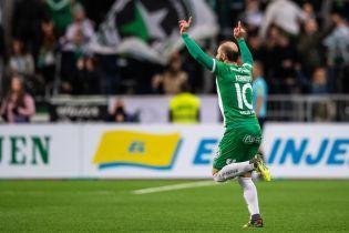 У Швеції футболіст забив розкішний гол зі штрафного і хильнув пивця