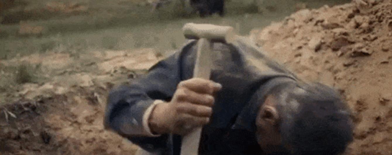 """Арсен Мирзоян выпустил эмоциональный клип, в котором искал клад и """"похоронил"""" себя"""