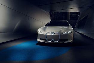 Парижский автосалон 2018: BMW показал концепт полностью электрического седана