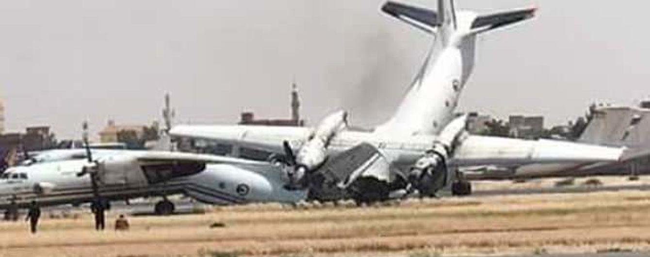 В аэропорту Судана столкнулись два украинские самолета