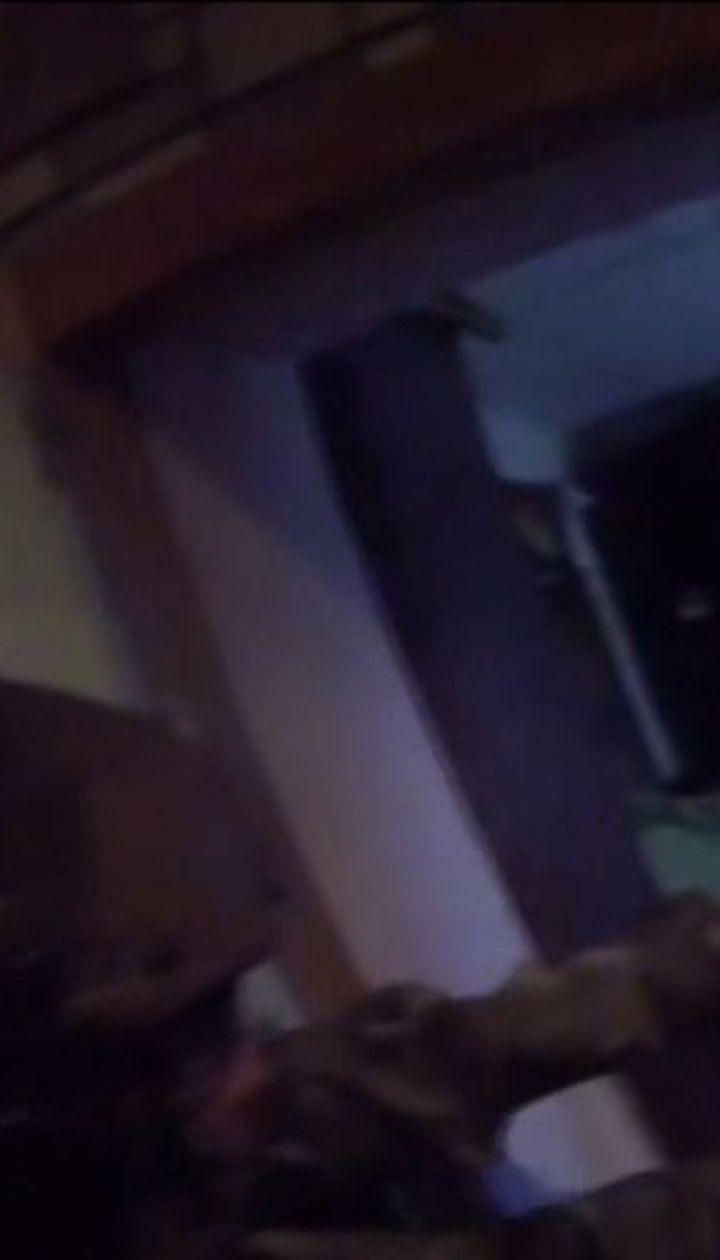 На Дніпропетровщині п'яний чоловік зачинився у квартирі і погрожував влаштувати вибух