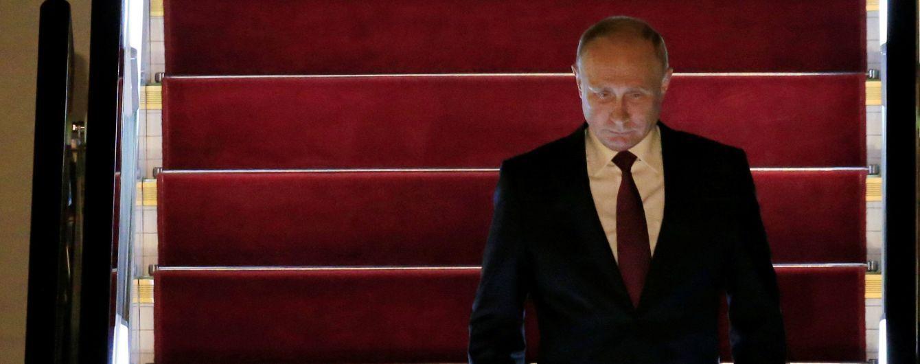 Путін не збирається обговорювати з Трампом питання Криму - Пєсков