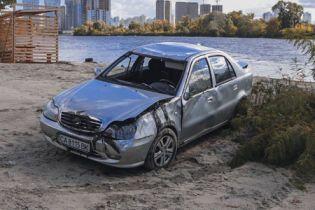 В Киеве мужчина утонул в Днепре на своей машине