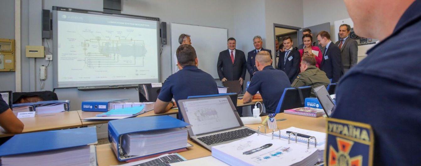 Украинские пилоты, которые будут управлять вертолетами Airbus, уже проходят обучение во Франции - МВД