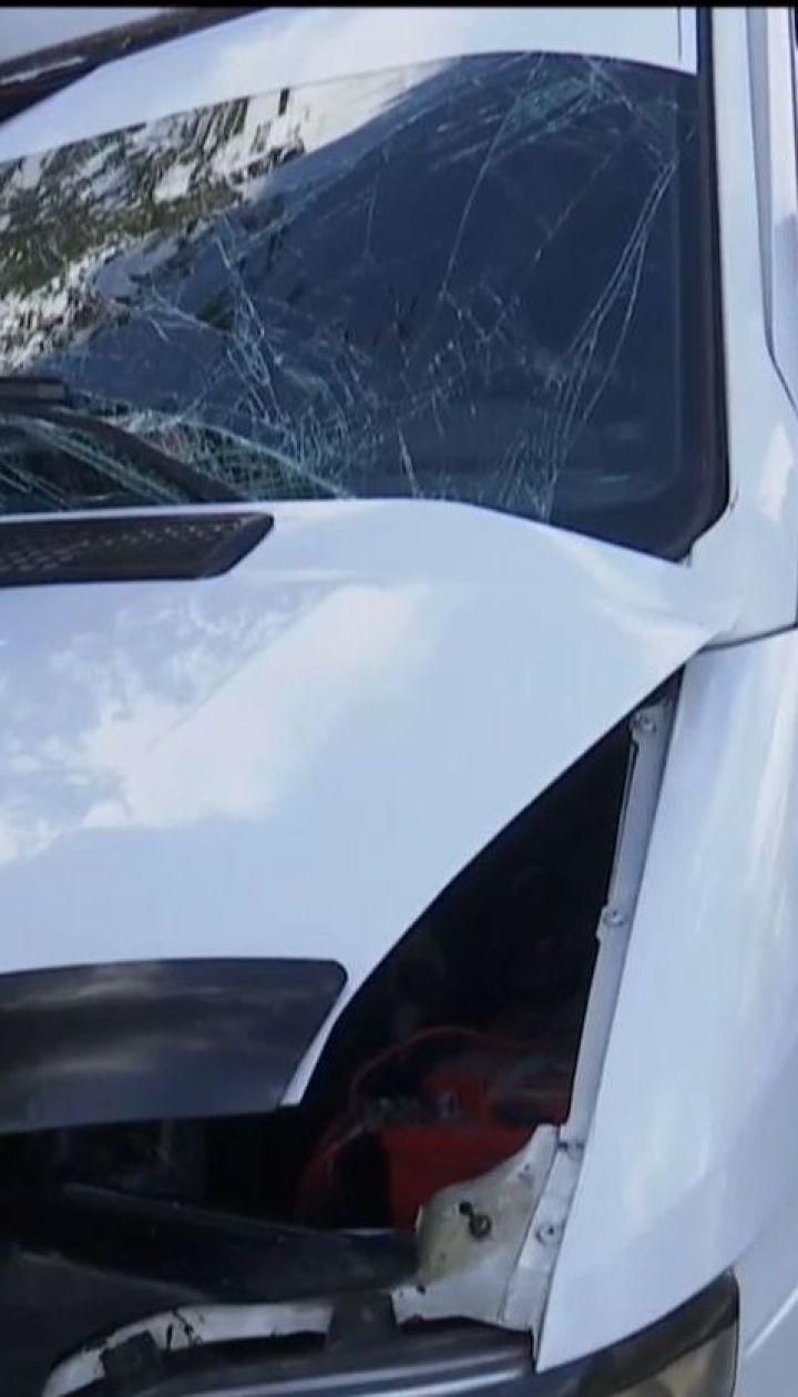 В Николаеве 12 пассажиров пострадали в результате столкновения маршрутки с грузовиком
