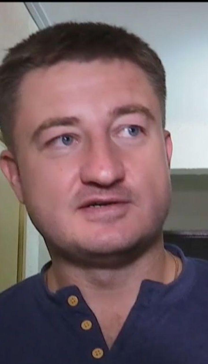 Вырезанные двери и детский плач: СБУ и прокуроры провели обыски в квартире главы Госрезерва