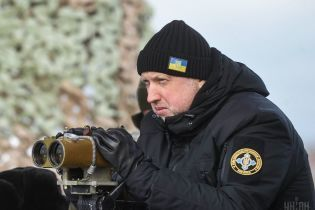 """У разі агресії Росії воєнний стан """"не буде м'яким"""", - Турчинов"""