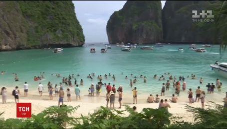 В Таиланде в очередной раз закрыли популярный пляж Майя, чтобы уберечь экосистему побережья