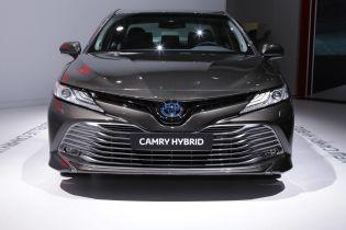 Toyota Camry поїде підкорювати європейський ринок гібридною модифікацією
