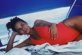 У купальнику і без макіяжу: Настя Каменських показала, як проводить час в Маямі