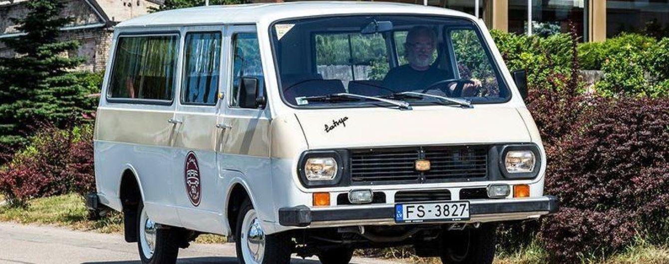 """У Латвії планують запустити виробництво електричних """"РАФіків"""""""