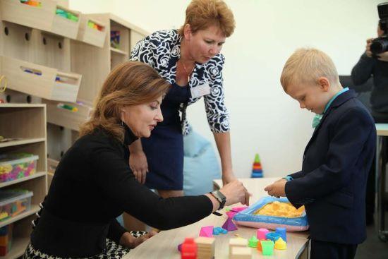Марина Порошенко і Валентин Резніченко відкрили інклюзивно-ресурсний центр у Петриківці Дніпропетровської області
