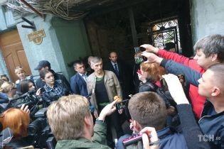 Из немецкой больницы выписали активиста Михайлика, в которого стреляли в Одессе