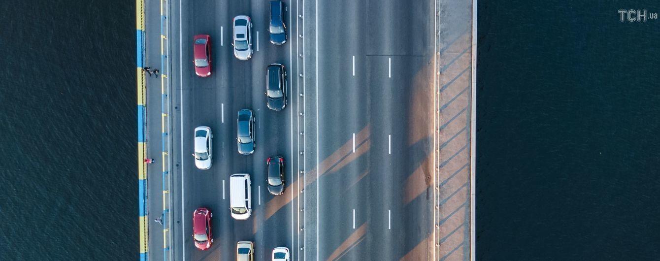 Украинская столица заняла 13 место в рейтинге загруженности дорог. Все цифры киевских пробок в инфографике