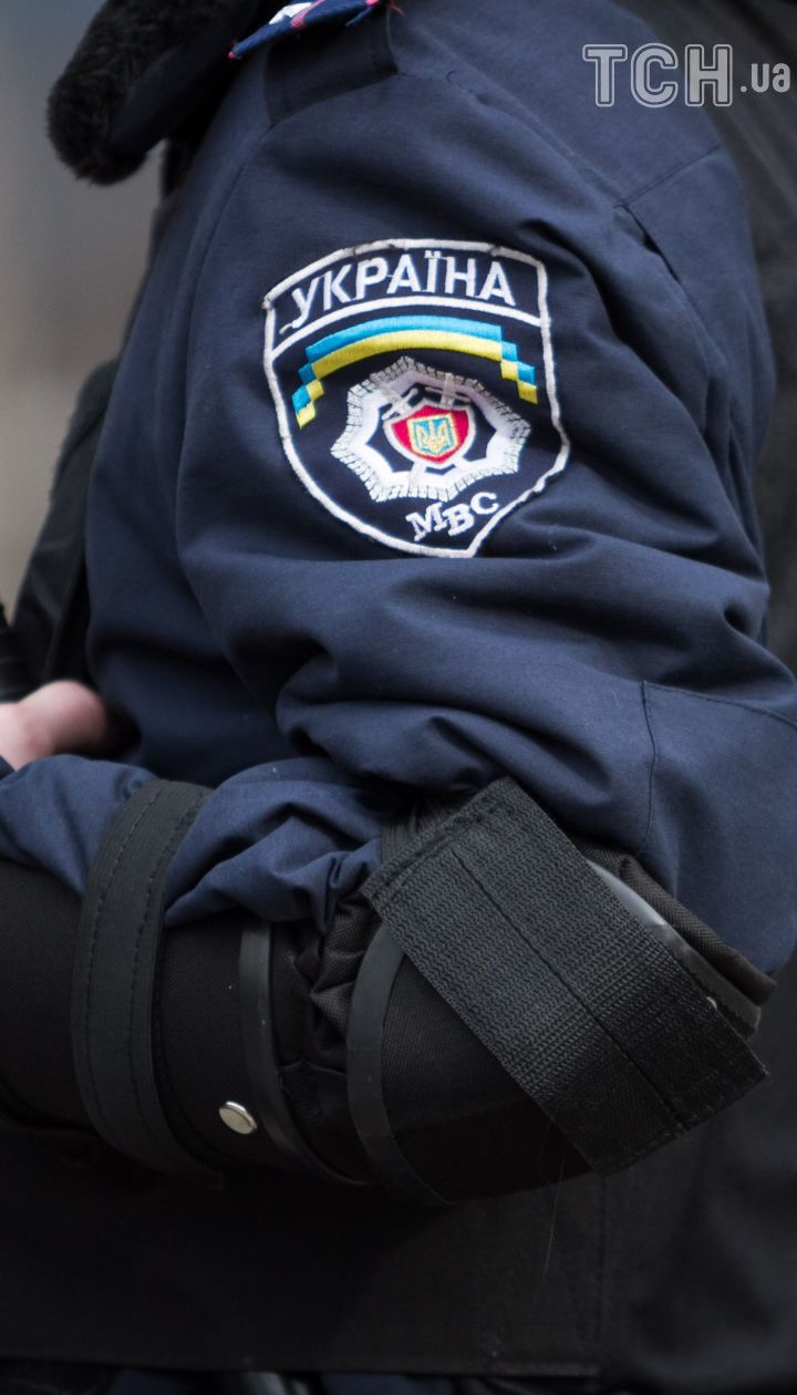 У Києві невідомі намагалися заблокувати роботу підрозділу поліції