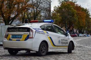 В Одесі водій-порушник та його друзі побили патрульного поліцейського
