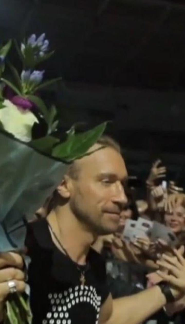 Учителям Одесской области на профессиональный праздник подарили бесплатные билеты на концерт Винника