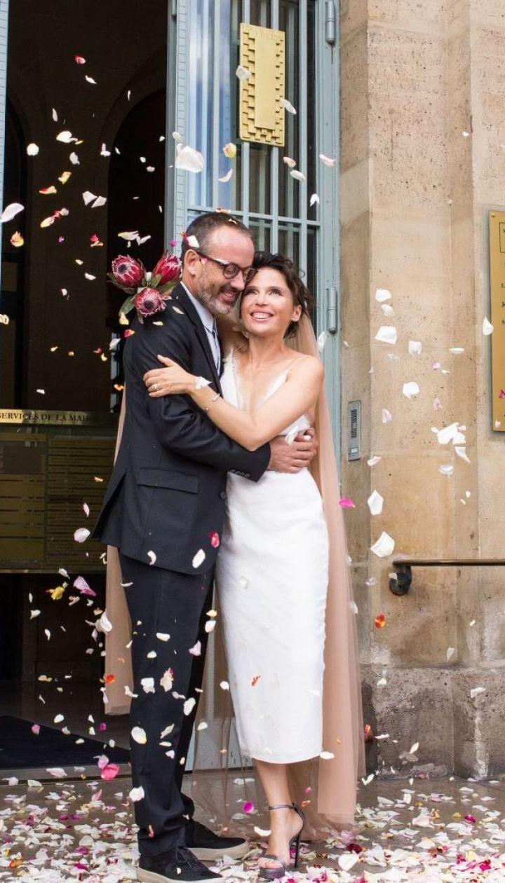 Певица и писательница Ирэна Карпа в Париже в третий раз вышла замуж