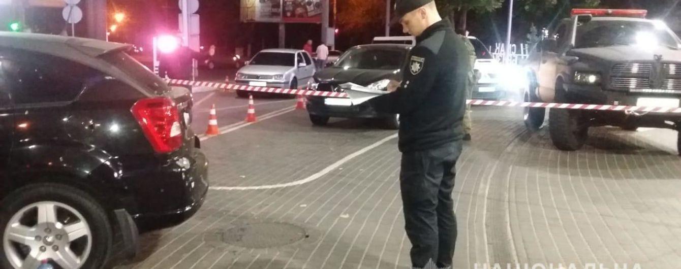 """В Одесі на світлофорі розстріляли автівку з екс-активістом """"Автомайдану"""""""