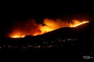 Більше 700 пожежників і шість повітряних суден гасять лісову пожежу в Португалії