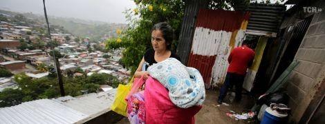Атака стихії: 12 осіб загинуло та тисячі постраждали унаслідок потужних злив у Центральній Америці