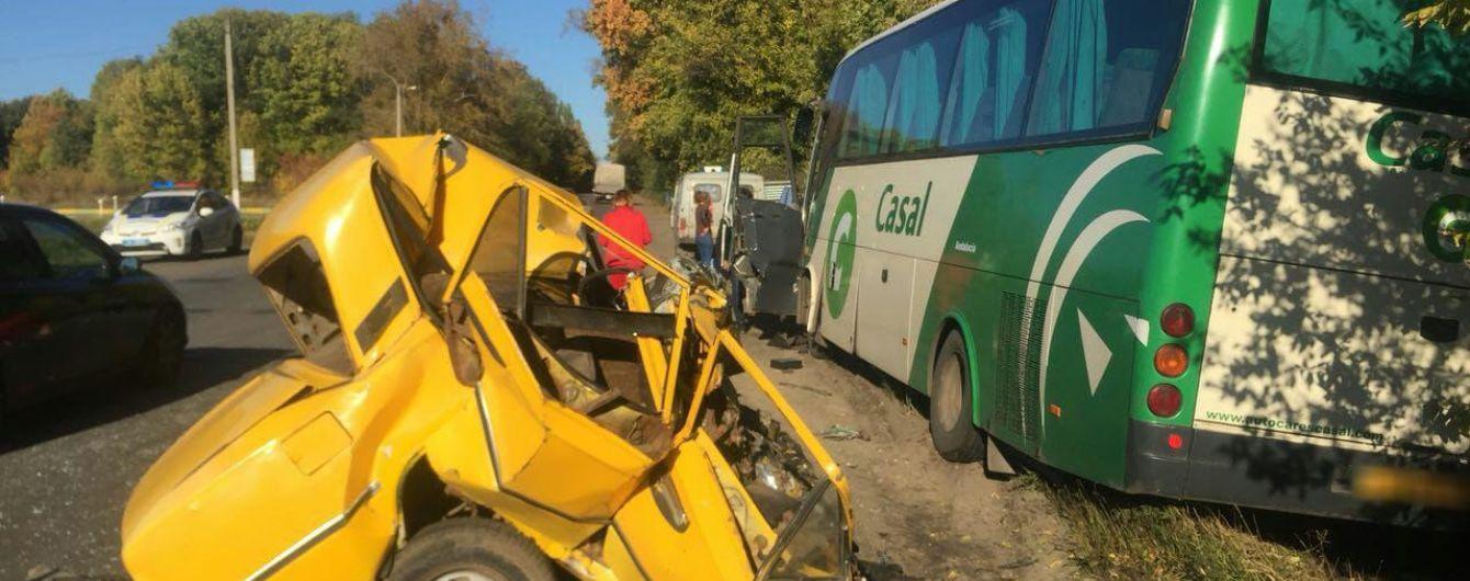 На Харьковщине произошло смертельное ДТП с участием рейсового автобуса