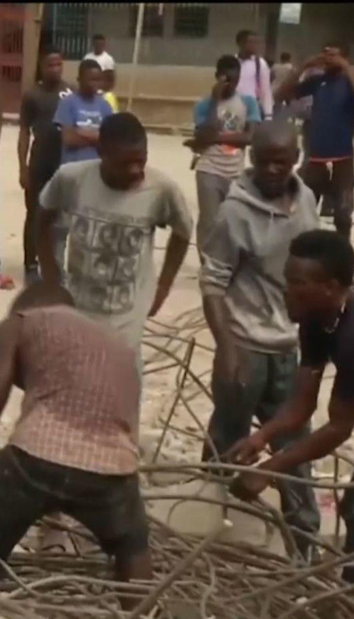 Сотни людей находятся на больничных койках после землетрясения на Гаити