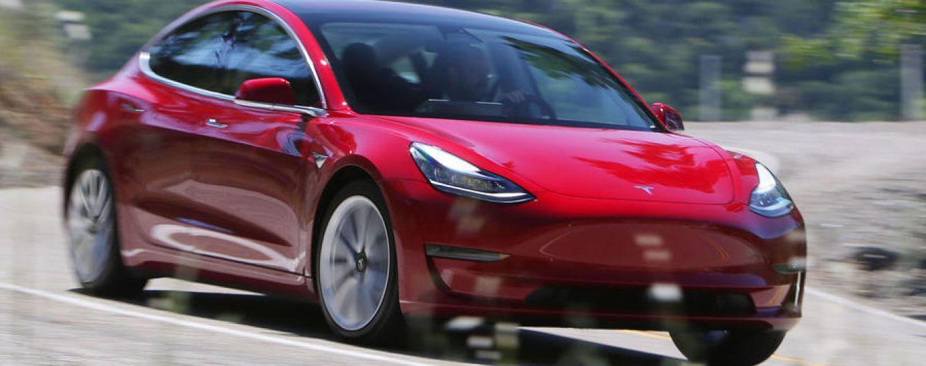 Електрокари Tesla Model 3 встановили абсолютний рекорд продаж у США